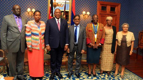 Visite de courtoisie du président Kenyatta à la State House