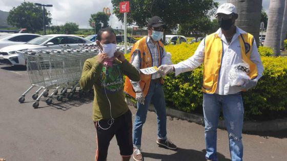 Covid-19 : le Lions Club de Rivière-Noire distribue 4 000 masques