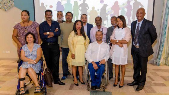 Aide légale et soutien aux handicapés : DIS-Moi lance sa ProBono Clinic et offre une aide aux handicapés