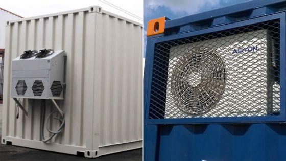 À Triolet : deux conteneurs utilisés comme chambre froide dans une cour