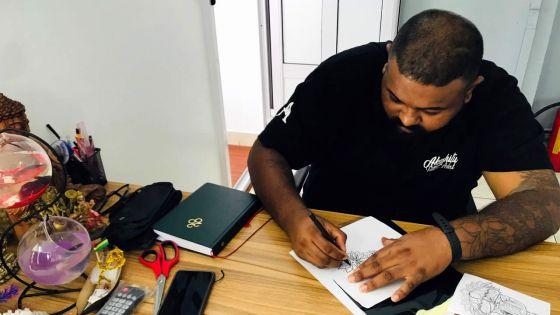 Akash Ittoo : un tatoueur qui s'estforgé une nouvelle vie