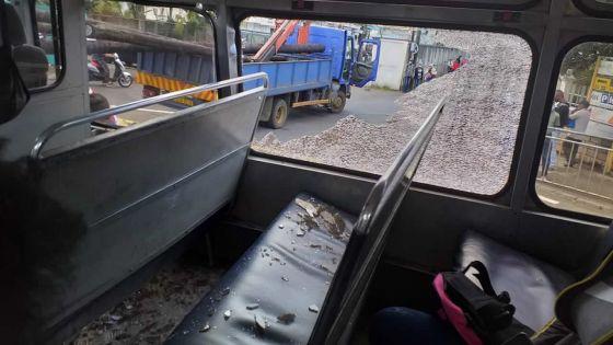 Vallijee : deux blessés dans un accident entre un bus et un camion