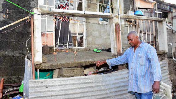 Glissement de terrain : la hantise d'un père dont la maison s'affaisse peu à peu