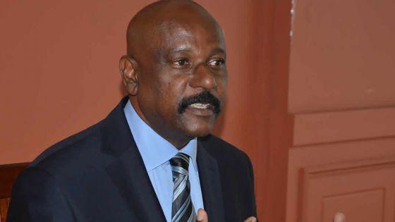 Joe Lesjongard, ministre du Tourisme: «Le ciel touristique mauricien n'est pas aussi bleu»