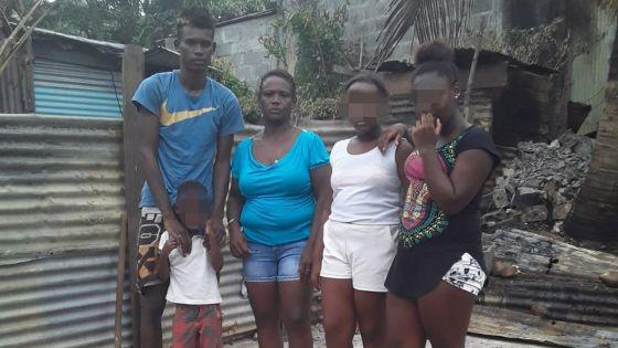 Déboires d'une famille en ce début d'année : Rosemay et ses enfants se retrouvent sans logis après l'incendie de leur maison