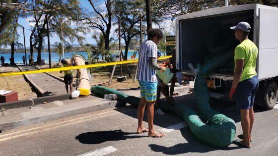 Forte mobilisation à Blue-Bay : la nappe d'hydrocarbure du Wakashio se rapproche du parc marin