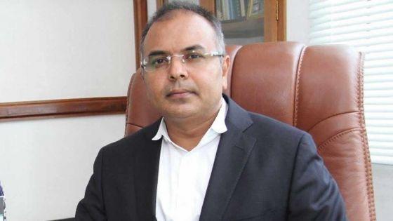Sanjeev Teeluckdharry retire sa demande d'injonction