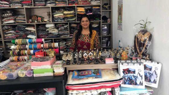 Jyoti Jadunundon : elle fait découvrir le monde de l'habillement indien