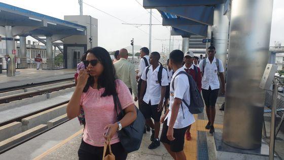 En attendant la MECard Student : les élèves pourront utiliser leur Bus Pass jusqu'au 29 février