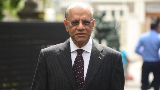 Le Commissaire électoral soumet 35 questions à Navin Ramgoolam