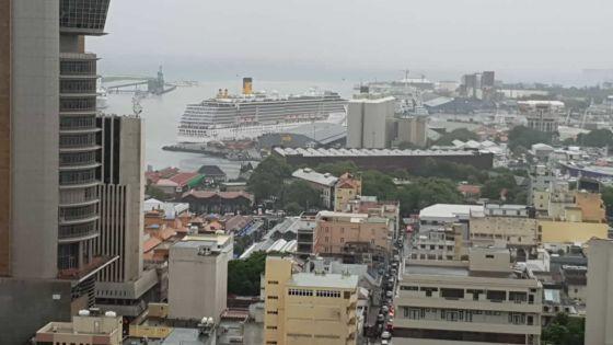 COVID-19 : Le Costa Mediterraneajette l'ancre dans la confusion