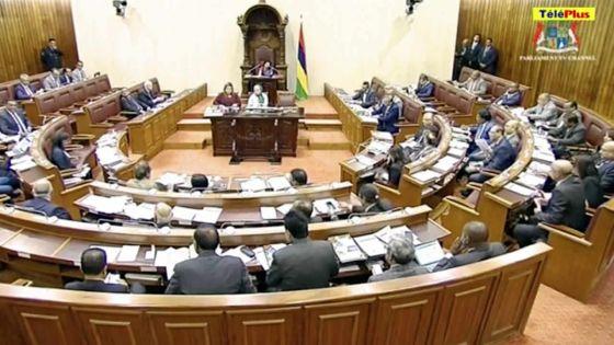 Parlement : pas de PNQ ce vendredi, les débats budgétaires reprennent dans l'après-midi