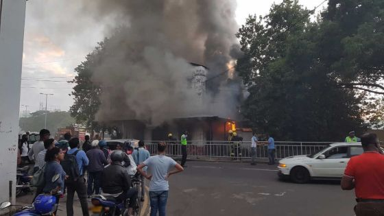 Incendie à l'ancien poste de police de Trou-Fanfaron
