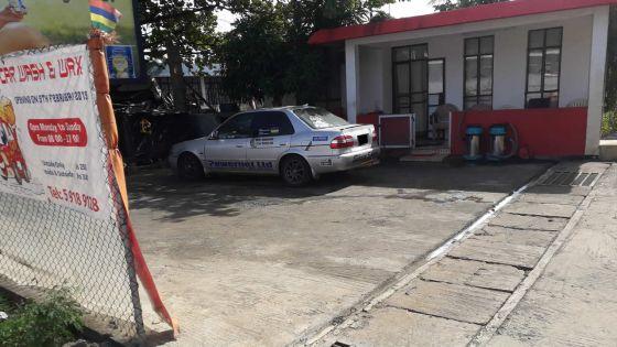 Station de lavage de voiture en milieu résidentielle : critiques d'une voisine contre une gérante
