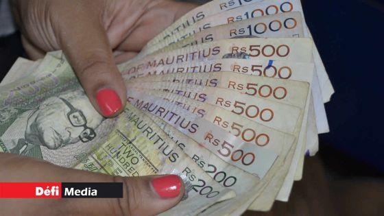 Fonction publique : les fonctionnaires suspendus mais payés dans le viseur