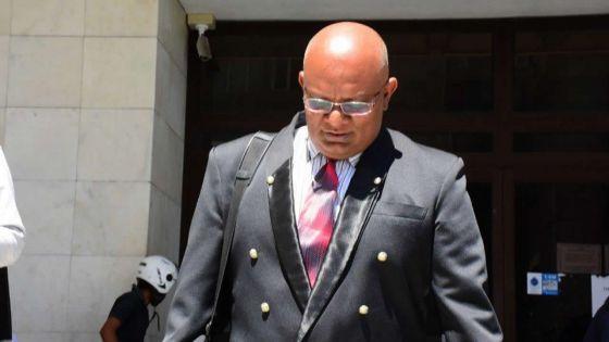 Livraison de drogue et articles illégaux à la prison - Le gardien Sheik Mahazam Pheerungee : «mo ti vilnerab, monn tente…»