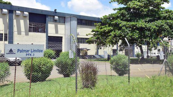 Les employés de l'usine Palmar Ltée broient du noir…
