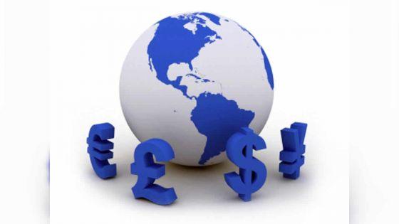 Devises : la roupie se déprécierait contre le dollar en 2019