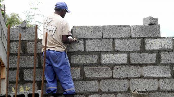 Pour obtenir son permis de construction : Koushal P. conteste la décision du conseil de district