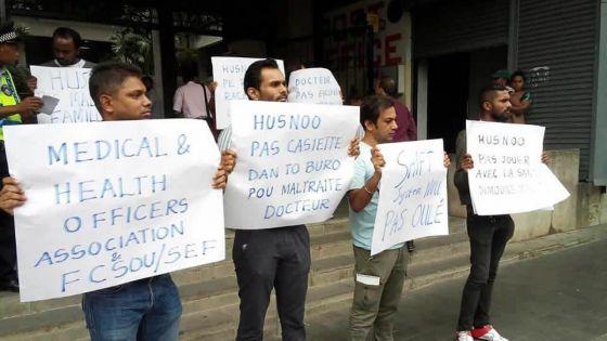 Grève avortée : les médecins dans la rue pour faire entendre leur voix
