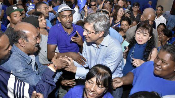 Congrès des Bleus : Xavier-Luc Duval menace l'Electoral Boundaries Commission