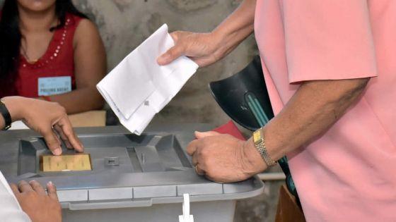 Élections villageoises : un nouveau renvoi du scrutin étudié