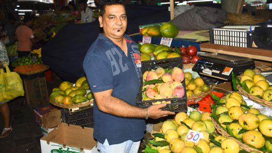 Bhurosy Mohit : trente ans à vendre des fruits