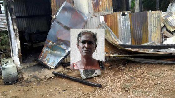 Après l'incendie de leur maison :Jayamani et sa familleont besoin d'aide