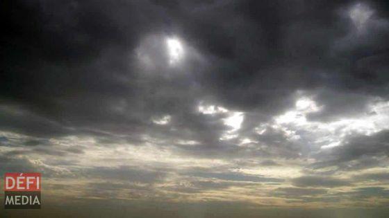 Météo : ciel tantôt nuageux, tantôt dégagé prévu ce soir