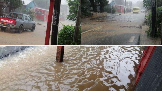 [En images] Vieux-Grand-Port : accumulations d'eau après les grosses averses