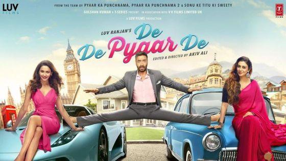 De De Pyaar De : relation amoureuse entre un homme âgé et une jeune fille