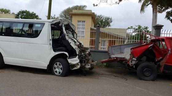 À Réduit : impact mortel pour un conducteur de minibus