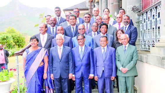 Un gouvernement rajeuni : 75 % des ministres ont moins de 60 ans