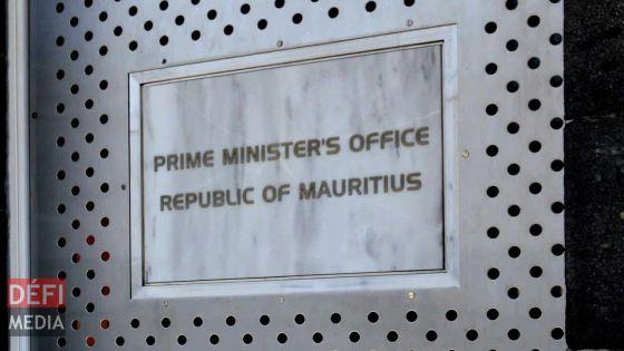 Le directeur du Government Information Service quitte son poste