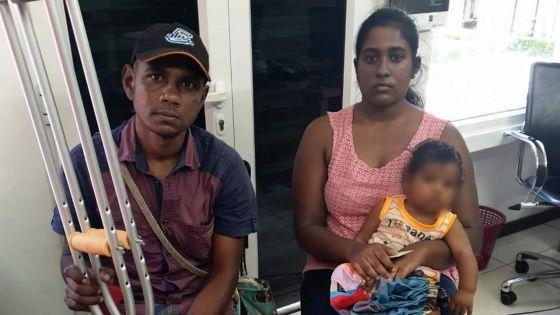 Un couple avec ses enfants au bras agressé