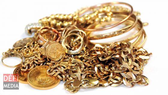 Deux jeunes volent des bijoux valant Rs 225 000 et les revendent pour Rs 5 000