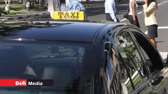 Faute de pouvoir opérer à l'aéroport : le Taxi Proprietors Union réclame la révision de l'allocation de Rs 5 100