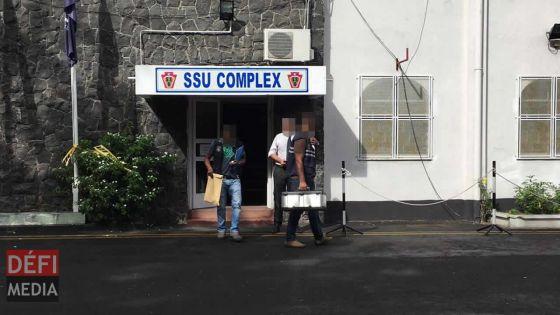 Aux Casernes centrales : un membre de la SSU surpris avec de la drogue dans les toilettes