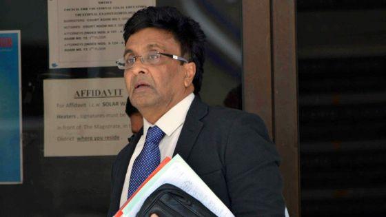 Poursuivi pour escroquerie alléguée :Prakash Boolell demande à la Cour suprême de suspendre son procès