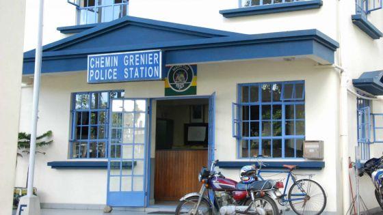 Venu prêter assistance : un policier pris à parti par un individu