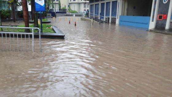 Inondations : la capitale à genoux après trois heures de pluies battantes