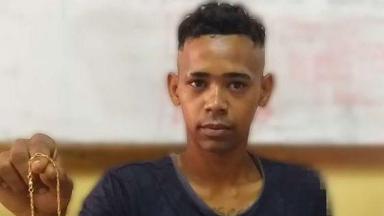 Vol à l'arraché à Grand-Baie : un ex-policier français attaqué en pleine rue
