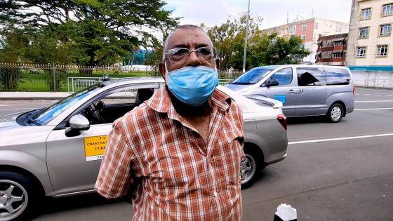 Curepipe : les temps sont durs pour Majid, chauffeur de taxi depuis 46 ans
