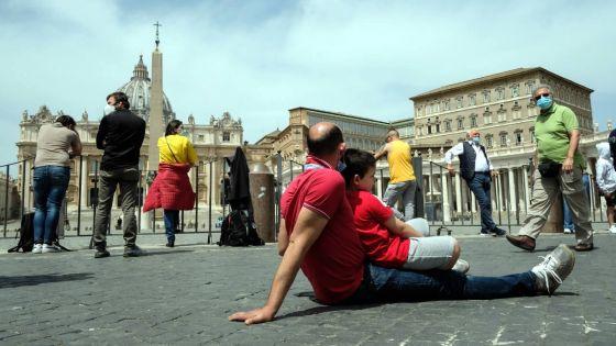 Vatican: la basilique Saint-Pierre rouvre après plus de deux mois
