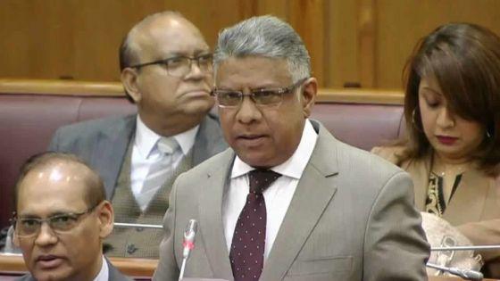 Produits pétroliers : Gungah refuse de révéler l'identité de la compagnie qui approvisionnera le pays