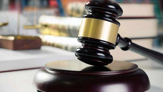 Un avocat fait rayer le cas de son client sans l'informer