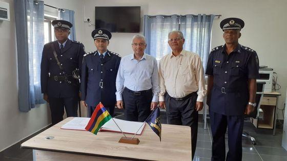 Policiers impliqués dans des délits : «Je serai intransigeant», prévient Pravind Jugnauth