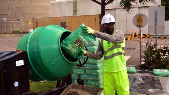 Construction : Lafarge (Maurice) présente son sac de ciment magique