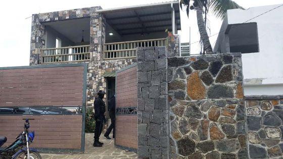 Grand-Gaube : trois maisons perquisitionnées par l'Icac , du cannabis saisi, les propriétaires épinglés