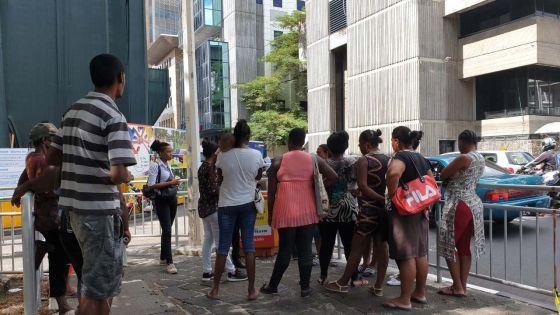 Inondations : des habitants de Cité-La-Cure et de Tranquebar rassemblés à la Place d'Armes